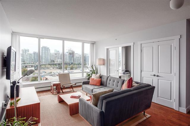 1002-1833 Crowe Street - False Creek Apartment/Condo for sale, 2 Bedrooms (R2309567) #1